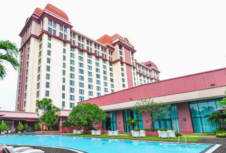 Loker Hotel REDTOP hotel & convention center jakarta - MyRobin