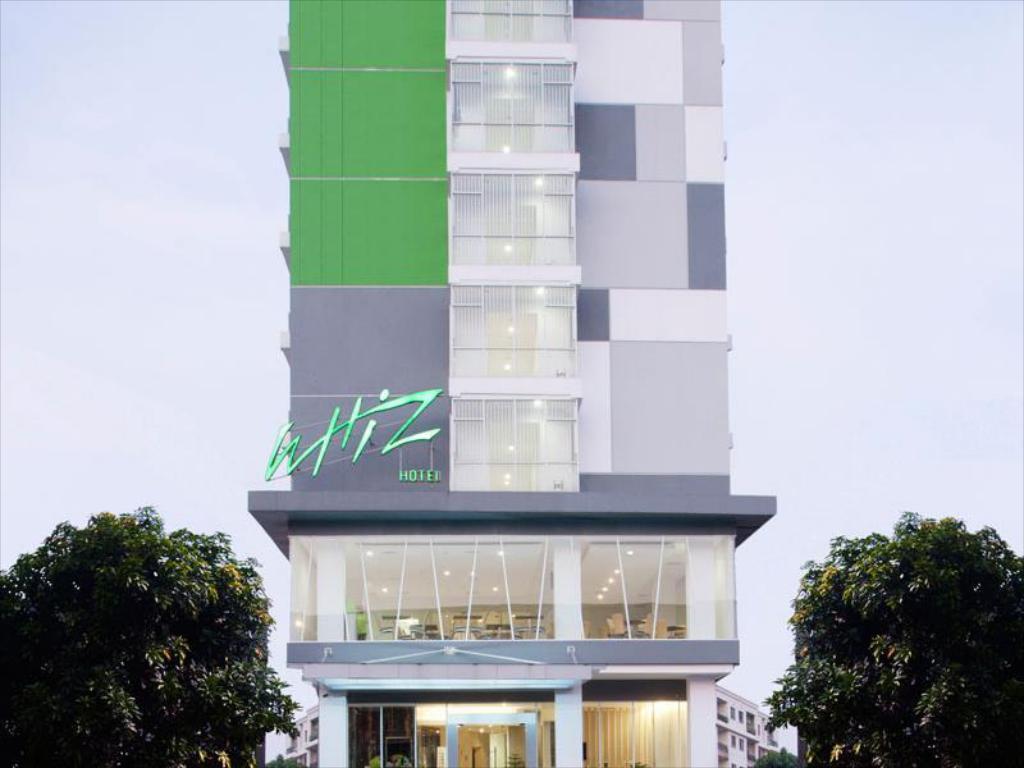 Loker Hotel Whiz Hotel Cikini - MyRobin