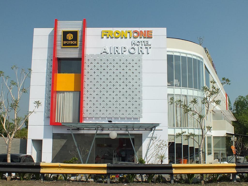 Loker Hotel Desember 2019 Front One Resort - MyRobin