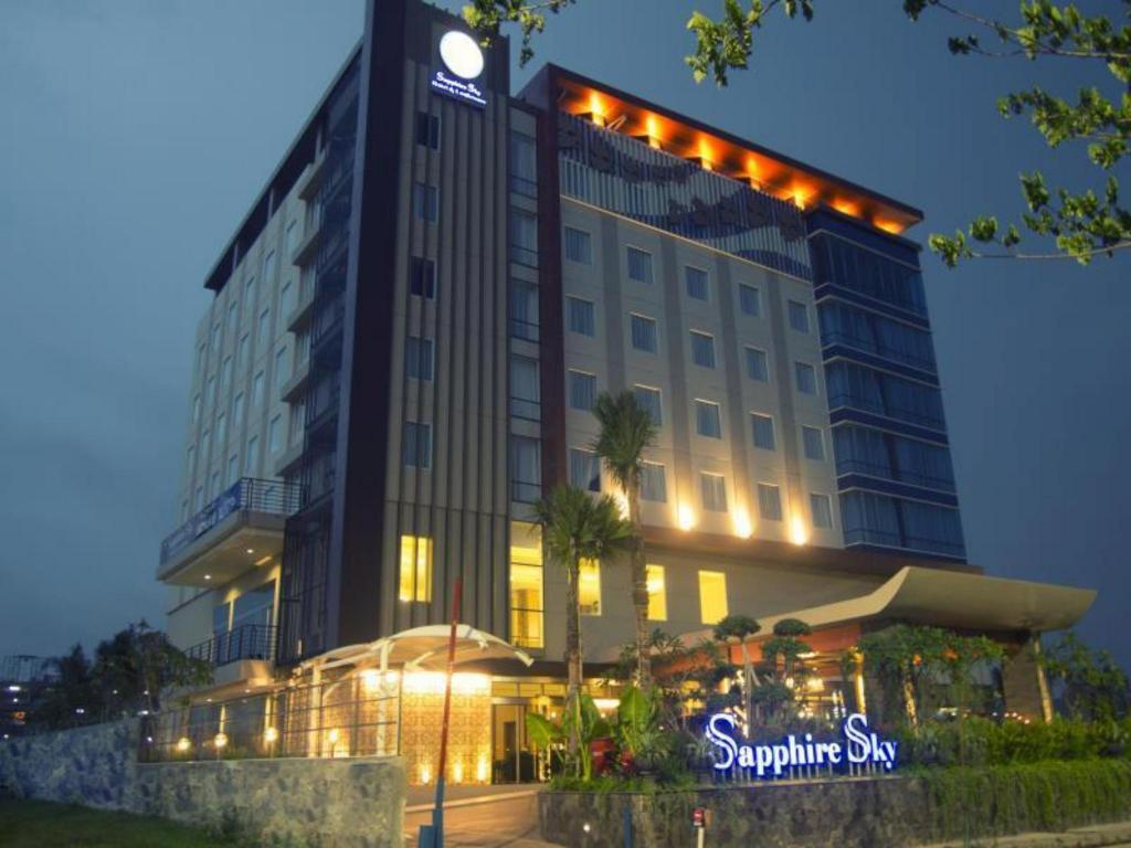 Loker Hotel November Sapphire Sky Hotel BSD Tangerang - MyRobin