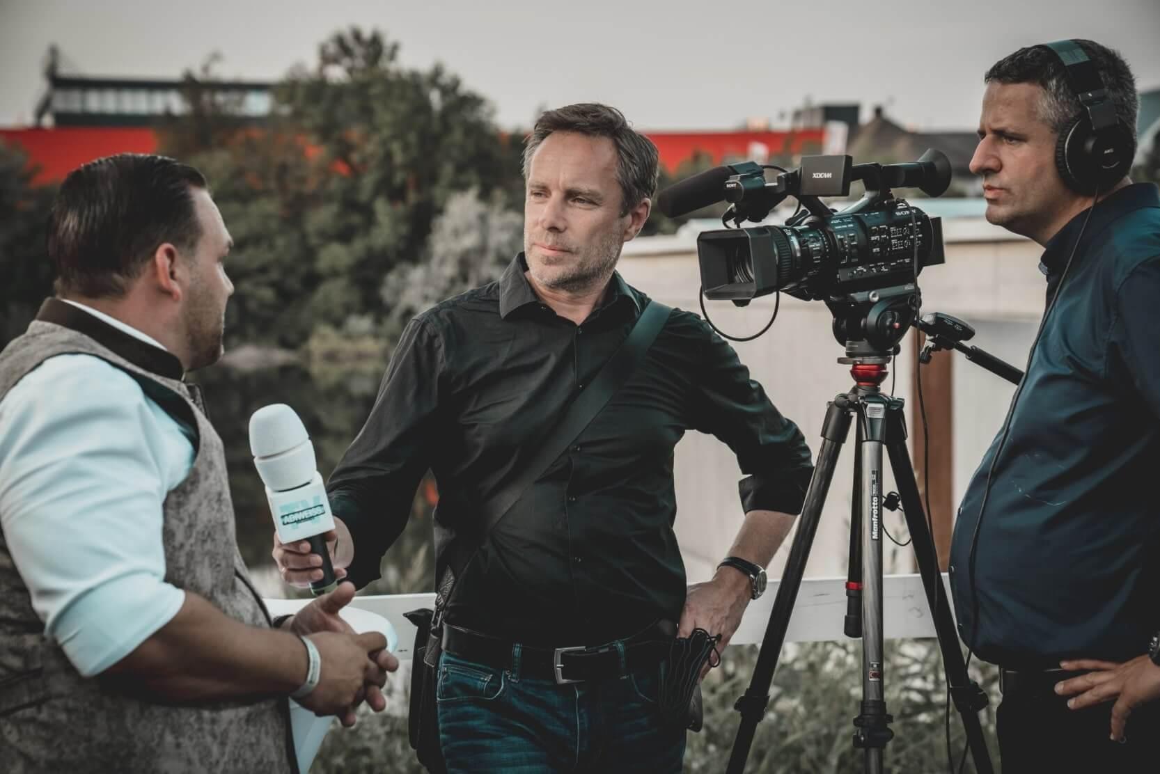 Jurnalistik - MyRobin