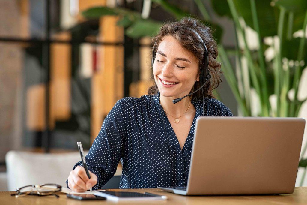 Cara Kerja Customer Service