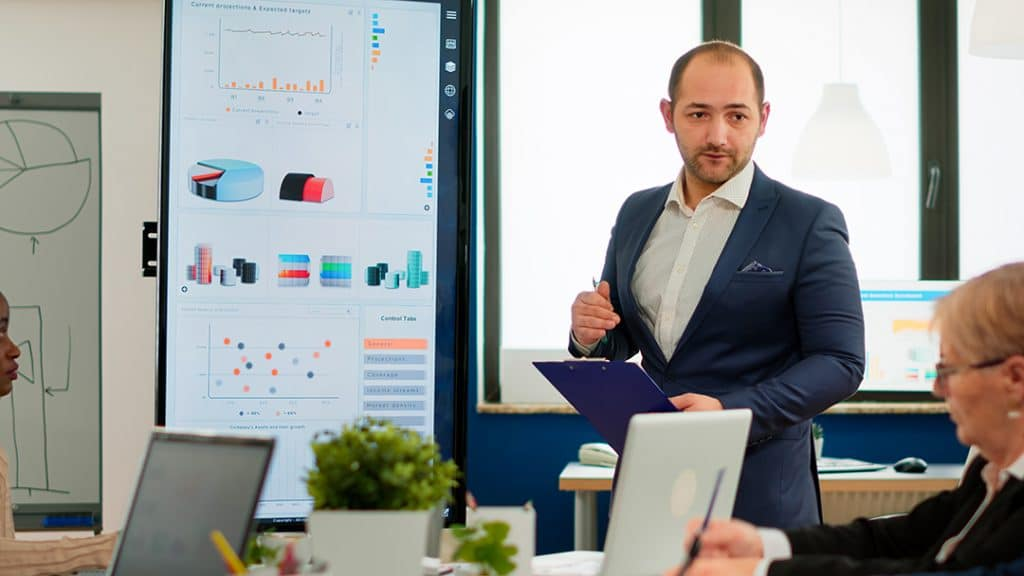 Sales Wajib Memiliki Strategi Penjualan untuk Sukses